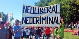 Foto spandoek Neoliberal Neocriminal